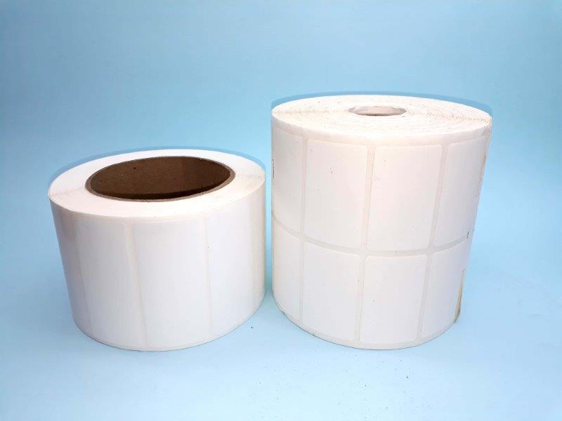 Rolo etiqueta adesiva branca